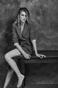 Gaia Weiss - Dsection
